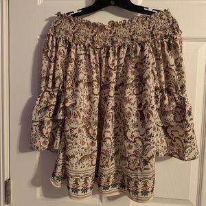 Off the shoulder Max Studio blouse